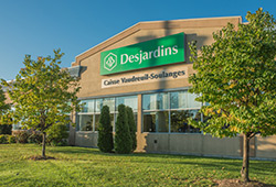 Caisse Desjardins de Vaudreuil-Soulanges (open on Saturdays and Sundays)